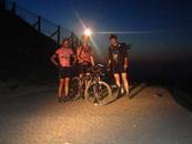 Christian, Olivier et moi au Puy de Dôme. Il est minuit.